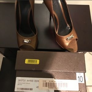 Gucci Shoes - Authentic Gucci Bronze Heels